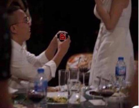Tóc Tiên - Hoàng Touliver cùng lúc lên tiếng phủ nhận thông tin cầu hôn và sắp làm đám cưới-1