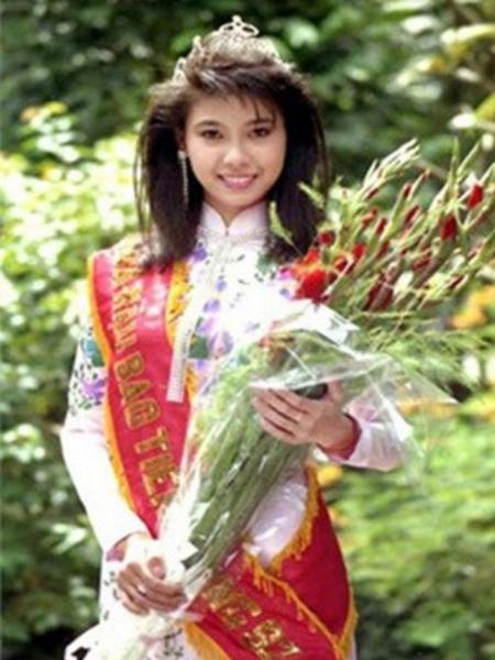Thí sinh nhỏ tuổi nhất đăng quang hoa hậu không phải Trần Tiểu Vy mà là mỹ nhân xinh đẹp này! - Ảnh 1.