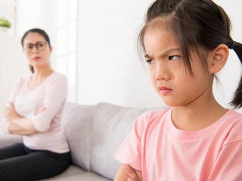 Nếu thấy khó khăn khi dạy dỗ con, bố mẹ chắc hẳn có những thói quen này - 1
