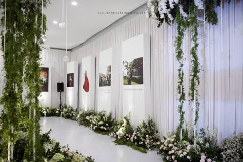Choáng ngợp với đám cưới 10 tỷ ở Đà Nẵng: Chú rể lái siêu xe lên sân khấu, mời cả ca sĩ hạng A đến góp vui-3