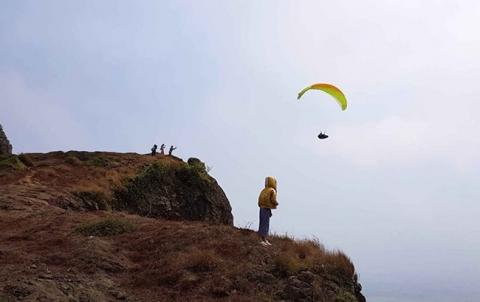 Ngắm huyện đảo Lý Sơn từ không trung cùng phi công dù lượn - 2