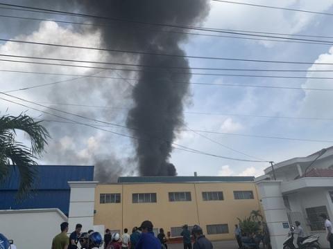 Nổ tại KCN Sóng Thần 2, cột khói bốc cao kèm mùi khó chịu - 1