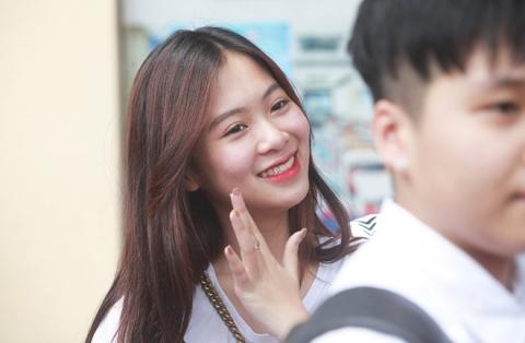 Dàn gái xinh thi THPT Quốc gia 2019 gây chú ý vì nhan sắc xinh đẹp - 5