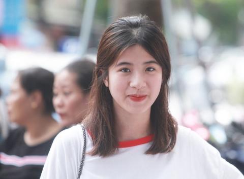 Dàn gái xinh thi THPT Quốc gia 2019 gây chú ý vì nhan sắc xinh đẹp - 2