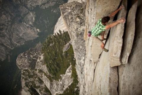 Cuộc thử thách của những người không sợ tử thần ở một ngọn núi tại Mỹ - 6