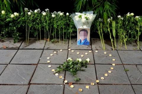 Vụ bé trai trường tiểu học Gateway bị tử vong: Gia đình cháu bé mong công lý sớm được thực thi - Ảnh 1.