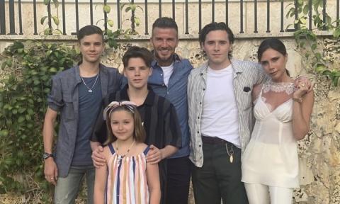 Sau 20 năm kết hôn, Victoria rục rịch đệ đơn ly hôn David Beckham, thậm chí đã sẵn sàng tranh quyền nuôi con? - 1
