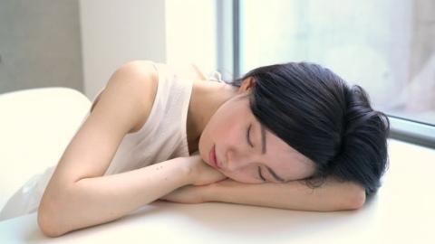 Giới khoa học khẳng định: Ngủ trưa ít nhất 2 lần/tuần giúp kéo dài tuổi thọ, giảm 48% nguy cơ đột quỵ