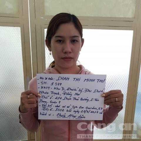 Đột kích hàng loạt cơ sở 'massage vua' ở Sài Gòn - 4