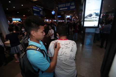 Thầy trò Park Hang-seo về nước, quyết thắng UAE và Thái Lan  - ảnh 10