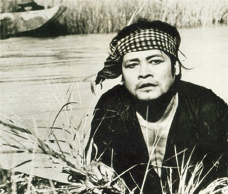 Nguyen Chanh Tin va nhung 'nguoi hung' buoc ra tu chiec tivi den trang hinh anh 3 canh_dong_hoang.jpg