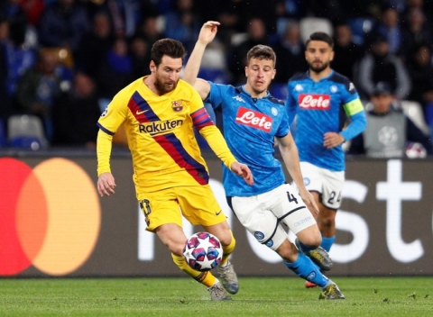 Barca thoat thua truoc Napoli trong ngay Messi im tieng hinh anh 2 2020_02_25T202135Z_1292292780_RC2W7F9P6VL6_RTRMADP_3_SOCCER_CHAMPIONS_NAP_FCB_REPORT.JPG