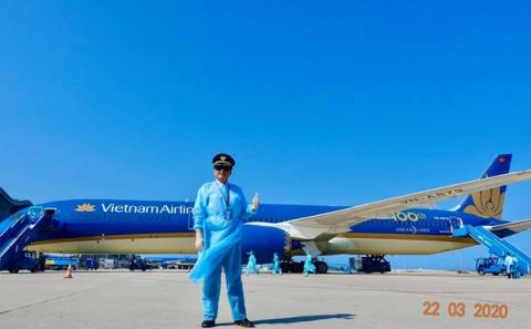 Cơ trưởng chuyến bay giải cứu đến tâm dịch Nhật Bản: Chúng tôi đến đây vì họ và sẵn sàng làm tất cả để không một ai bị bỏ lại - Ảnh 9.