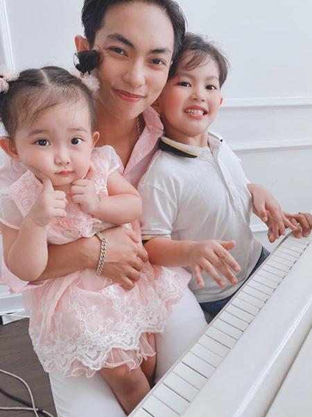 Kubi và Anna càng lớn càng thể hiện năng khiếu nhảy múa giống bố mẹ.