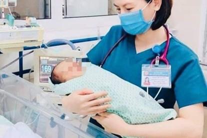 Bệnh viện Đa khoa Xanh Pôn cho biết vào khoảng 13h30 ngày hôm nay 29/06, em bé sơ sinh bị mẹ bỏ rơi dưới hố gas đã t.ử von.g.