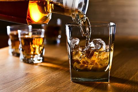 Đồ uống có cồn được xếp vào nhóm 120 chất gây ung thư hàng đầu.