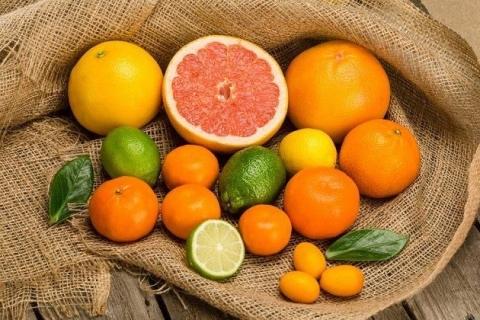 Hải sản kỵ cam quýt thực phẩm giàu vitamin C