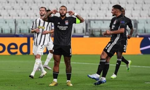 Ronaldo lập cú đúp nhưng vẫn không thể 'gánh' Juventus vào tứ kết