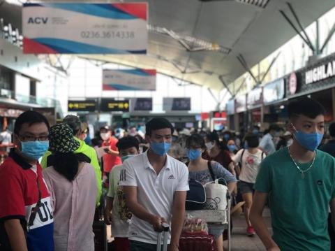 Từ ngày 12/8, hơn 1.400 khách mắc kẹt ở Đà Nẵng được trở về nhà - Ảnh 1.