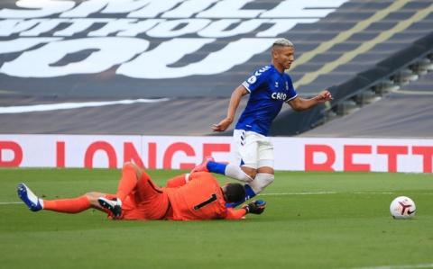 Tottenham gục ngã trận mở màn, Everton bay bổng ở London - Ảnh 1.