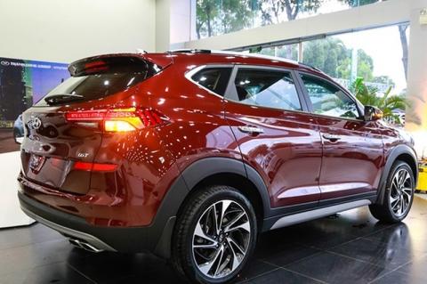 Hyundai Tucson đang rẻ hơn Honda CR-V cả trăm triệu đồng - 1
