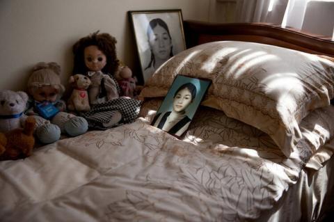 Những bức hình đầy ám ảnh và ký ức kinh hoàng sau 16 năm vụ thảm sát con tin gây chấn động thế giới tại Trường học Số 1 - 8