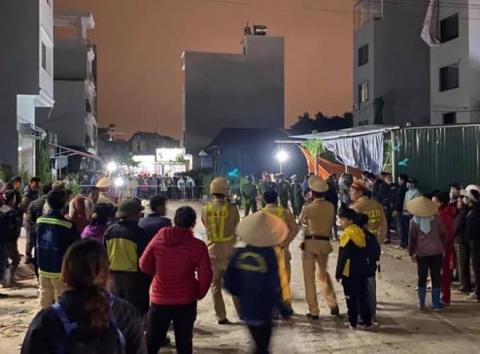 Hưng Yên: Chồng bất ngờ đâm chết vợ ngay tại chợ - 1