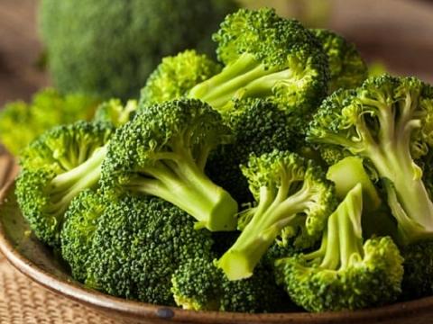 Bông cải xanh tốt bé