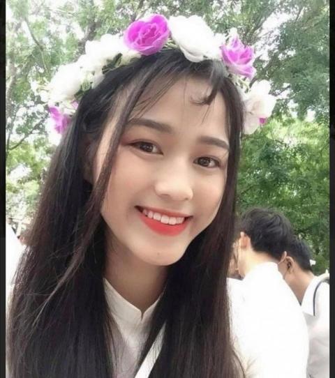 Vẻ đẹp trong sáng, thuần khiết của cô học sinh THPT - Đỗ Thị Hà.