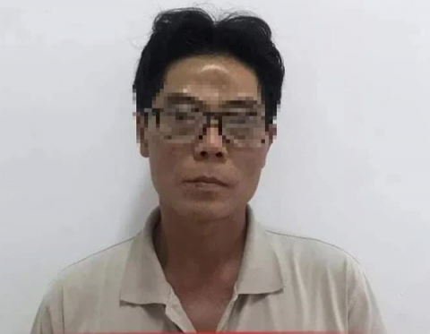 Vụ bé gái 5 tuổi bị hiếp dâm, bóp cổ chết: Tối qua nghi phạm cùng vợ còn sang thắp hương cho cháu - Ảnh 1.