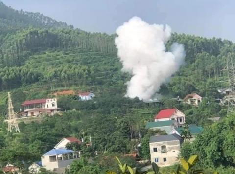 Vụ nổ tại nhà bố vợ khiến thanh niên tử vong ở Yên Bái: Nổ to như mìn, rung lắc cả đất và nhà - Ảnh 4.