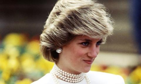 Vén màn bí ẩn về sự ra đi của Công nương Diana: Bác sĩ phẫu thuật kể lại cuộc chiến với