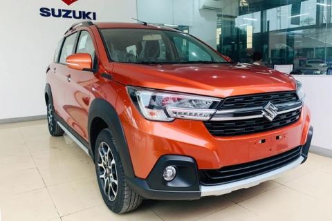 Suzuki XL7 giảm giá kỷ lục tại đại lý, rẻ hơn gần trăm triệu so với Mitsubishi Xpander - Ảnh 1.