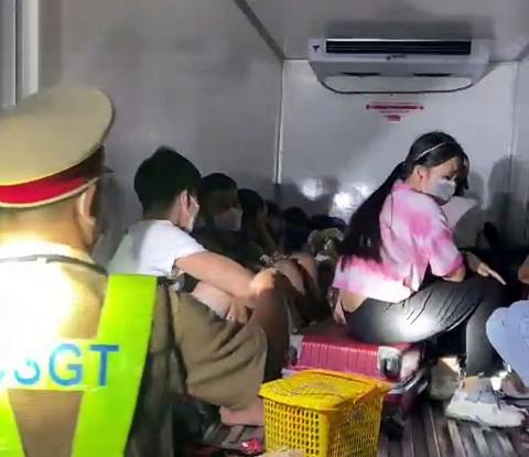 Lái xe giấu 15 người trong thùng xe đông lạnh thông chốt kiểm dịch COVID-19, công ty vận tải Thành An nói gì? - Ảnh 2.