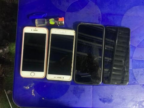 Thiếu niên 14 tuổi đột nhập vào khu công nghiệp, trộm nhiều điện thoại của các công nhân - Ảnh 2.
