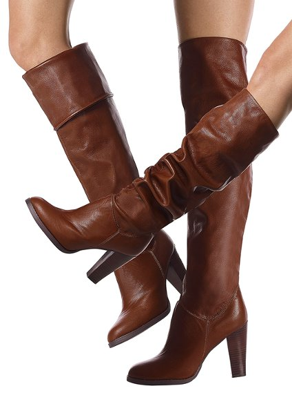 Boots cao cổ 'cơn sốt' mùa Đông/Xuân 2012