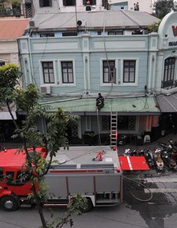 Hà Nội: Cháy tòa nhà Vinashin đúng giờ tan tầm