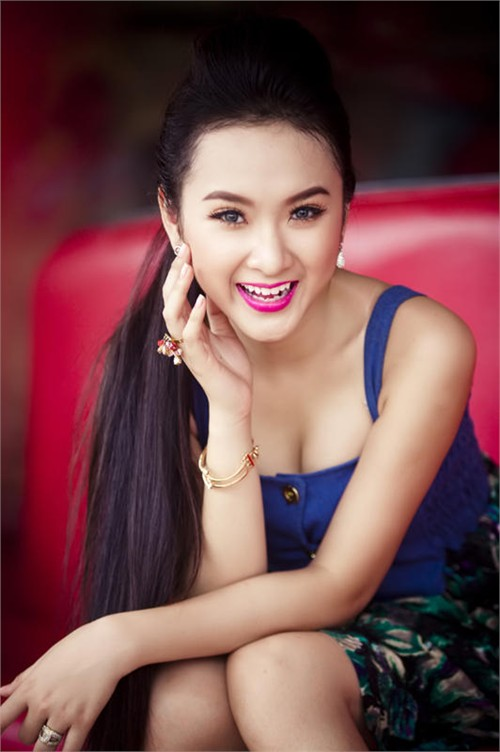 Angela Phương Trinh xinh đẹp nhờ cắt mí? - 11