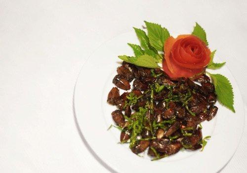 Thưởng thức những món nhậu làm từ côn trùng ở Thủ đô