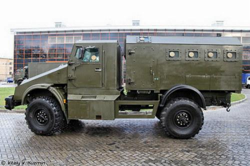 Ngắm dàn xe quân sự bọc thép 'khủng' tại Interpolitex 2012 (P1)