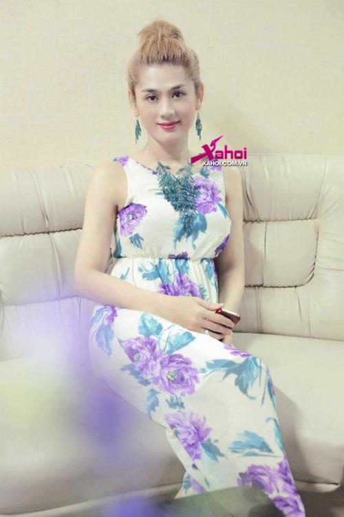 Lộ ảnh Lâm Chí Khanh sang Thái tái khám sau phẫu thuật chuyển giới