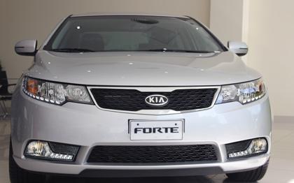Kia Forte 2013 về Việt Nam giá chưa đến 600 triệu đồng