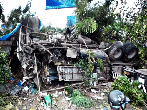 Đà Nẵng: Xe 'điên' gây tai nạn kinh hoàng làm 2 người chết, 1 trọng thương