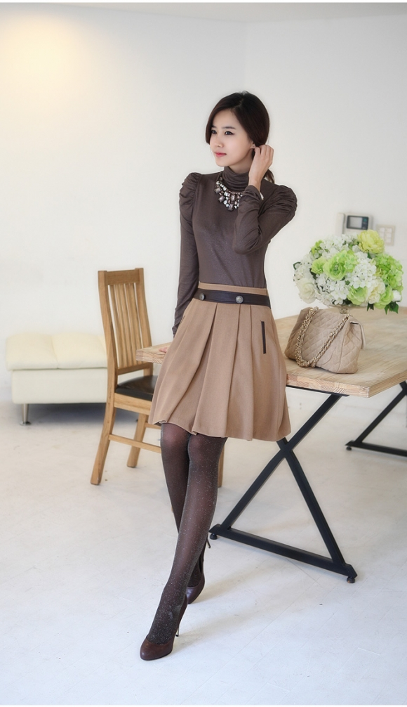 """Chân váy xòe yểu điệu """"đổi gió"""" cho công sở 2012"""