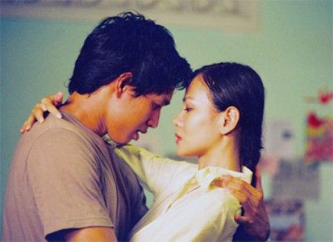 Những nụ hôn 'khó quên' của màn ảnh Việt