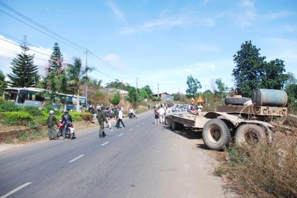 Gia Lai: Tai nạn giao thông nghiêm trọng làm một học sinh lớp 8 chết tại chỗ.