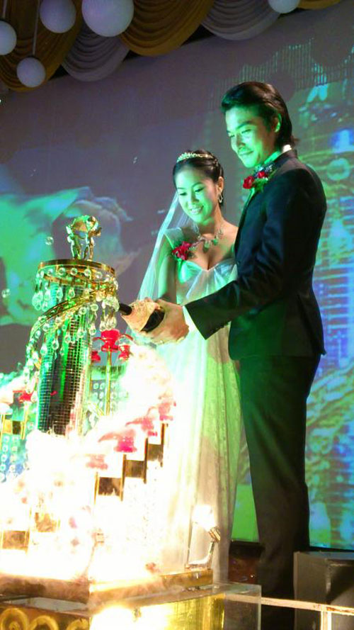 Ảnh đám cưới lung linh của Quách Ngọc Ngoan