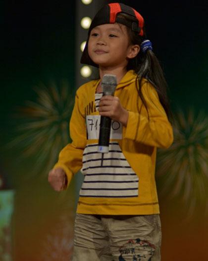 Tìm kiếm tài năng Việt Nam tập 12: Thanh Trúc gây sốc với hit 'Con cò'