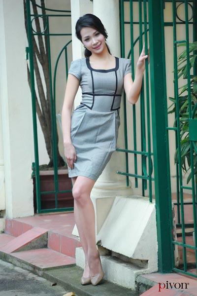 Duyên dáng với thời trang công sở Pivon