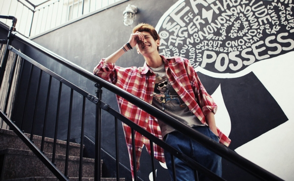 Áo phông nam 2012: 'Sục sôi' họa tiết tối giản